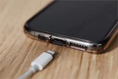 iPhone13續航力史上最強?4款新機電池容量揭曉「降低至少15%耗能」