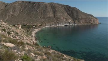 西班牙「遺世海灣」如桃源 35人在此「隱居」