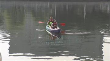 快新聞/高市觀光局推「還河於民」 上網實名登記、自備浮具就可遊愛河