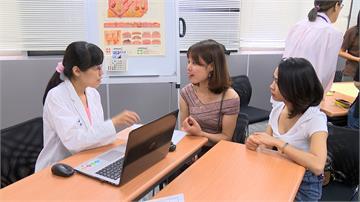 新移民看病語言不通?醫師研發醫療用翻譯app