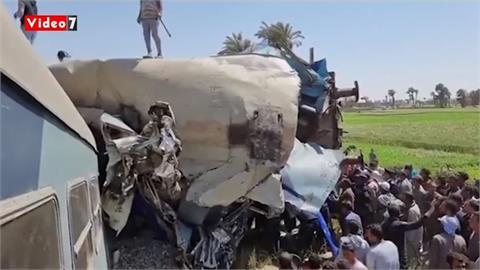 埃及兩載客火車相撞 出軌傾覆釀32死、66傷