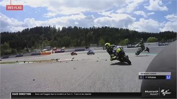 賽車擦撞後殘骸四射 車手鬼門關前走一回