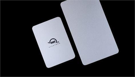 性能絲毫不妥協!2TB外接固態硬碟可以做到這麼小跟防水?