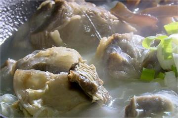 乳白羊肉湯 熬煮一天一夜濃郁鮮香