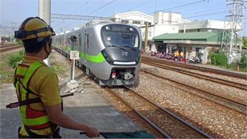 快新聞/最美區間車EMU900型試車出現異常 台鐵:與製造商會商查明中