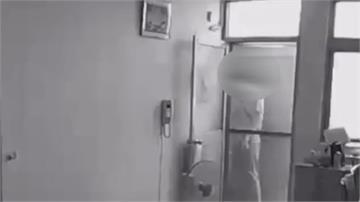 民眾返家發現紗門被打開調寵物監視器 驚見持刀男闖家中