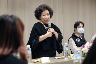 中國武漢肺炎肆虐全球 黃越綏:撐過8月注射的疫苗將是「總統級」