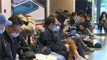 iPhone 12 Pro Max今天開賣!亞太祭買大送小 果粉排4天3夜搶頭香