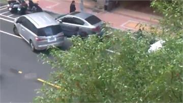 員警追查失竊車 駕駛拒檢還撞偵防車
