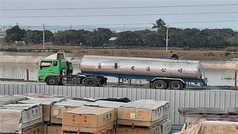 水車進出頻繁 台南新市區產業道龜裂惹民怨!