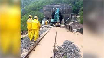 南迴鐵路加祿段土石流 影響上千名旅客