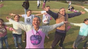 埃及開辦「大笑瑜伽」 笑口常開有助身心健康