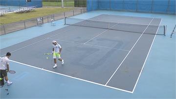球場補丁有夠多! 台北網球中心超落漆?