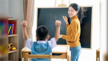 幼兒園老師做美甲上課學生誇漂亮 卻被家長投訴:這裡不是酒店!