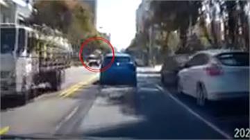 新竹風非浪得虛名!吹落大鐵桶 險砸中後方車輛