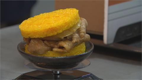 台鐵推「鳳梨米漢堡」 限量販售吸引搶購