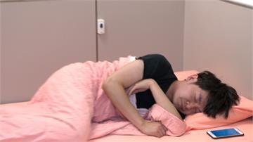 週末愛泡夜店放鬆 28歲年輕人竟失眠