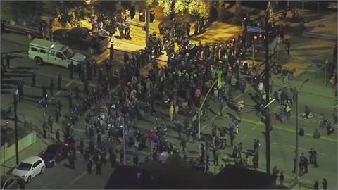 洛杉磯回音公園整修關閉 社運人士.街友抗議