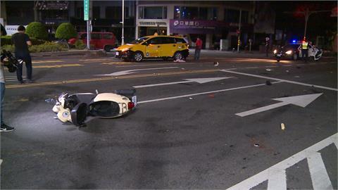 高雄計程車撞機車 父女雙載受傷送醫