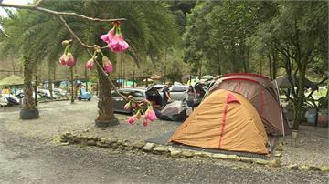 宜蘭員山露營區湧人潮 絕美風景宛如仙境