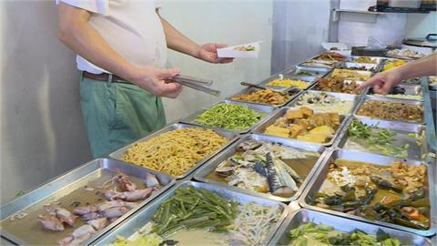 為何自助餐不能「單買白飯」?內行曝真相:老闆不是故意的!