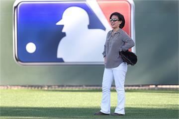 MLB/打破玻璃天花板!大聯盟首位球隊女總管 華裔伍佩琴主掌馬林魚