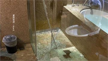 飯店泡澡驚魂! 衛浴玻璃門突爆裂濺血