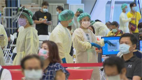 花博加開夜間接種 醫護怒轟北市府拒當「滿意度提款機」