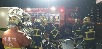 快新聞/煞車不及? 貨車追撞水泥車 男子受困被救出時無呼吸心跳