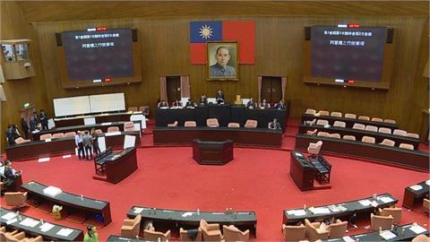 快新聞/民眾黨立委投給自己 立院新會期8委員會召委藍綠各拿8席