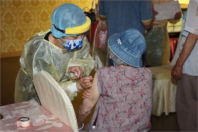 快新聞/苗栗累計2起老翁接種AZ疫苗後死亡 PCR皆陰性