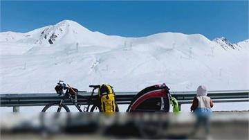 中國單親爸騎單車載四歲女 四千公里長征西藏