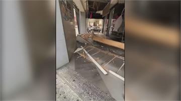 新竹咖啡麵包店天花板崩塌「木材四散」驚魂!女學生遭砸幸無大礙
