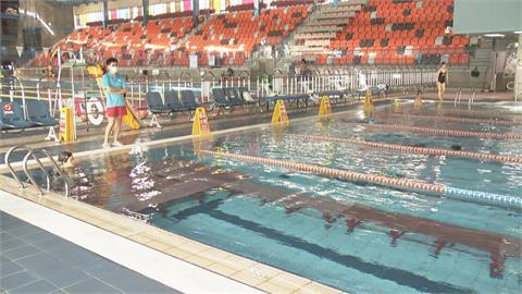 游泳池業者高呼「留條生路」 防疫指引送審中 泳客再等等