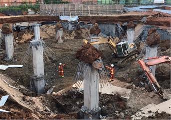 快新聞/平鎮停車場工地昨崩塌 今晨已找到活埋13小時失聯女工