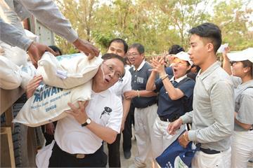 慈濟人赴柬埔寨義診 發放愛心米1千多貧戶受惠
