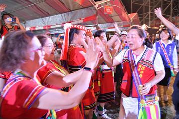 原住民族聯合豐年節登場 徐榛蔚穿上傳統服飾讚「美麗幸福的驚嘆號!」
