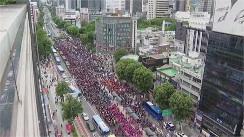 單日新增794確診 勞團仍動員8千人在首爾示威