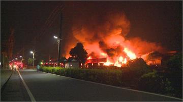 大寮木材工廠清晨大火 幸無人員受傷