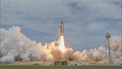 搶先貝佐斯起飛! 富豪布蘭森將成商業太空旅行第一人