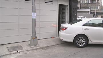 車神也停不進去!  路燈擋正中央 車庫只能養蚊了