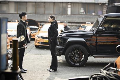 主管打巴掌羞辱、聚餐強灌酒  《模範計程車》曝光韓國職場霸凌