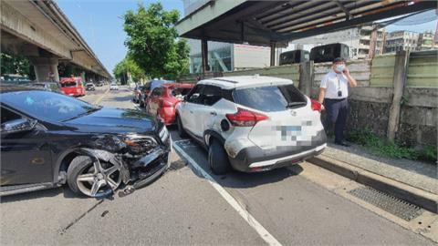 女子疑分神連撞4車 受害男駕駛頭當場撞破噴血