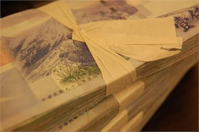 新台幣攻破28元大關收27.959元 衝近24年新高