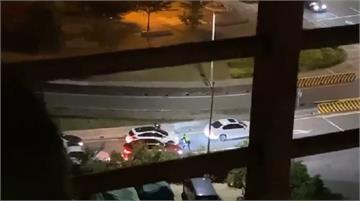 快新聞/警連開11槍阻擋! 駕駛拒攔查還開車衝撞 五股開到八里棄車逃逸