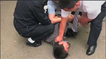 香港記者採訪維權律師 竟遭公安暴打拘留