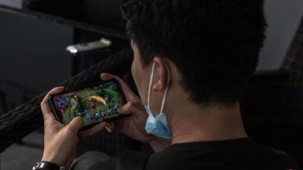 中國18歲以下為玩遊戲出招!140元租帳號玩2小時「破限時禁令」