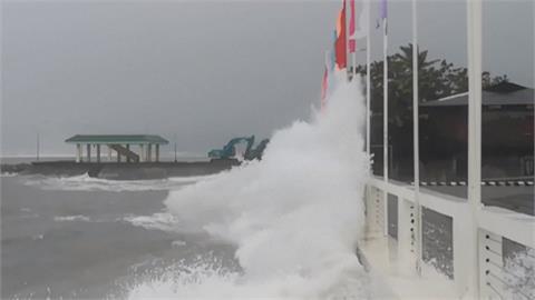 強颱舒力基襲擊菲律賓東部 釀1死1失蹤