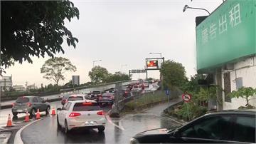 塞車惡夢再現 國5北返路段回堵 車速僅30公里