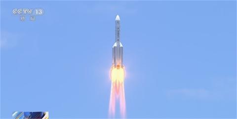 快新聞/影像曝!約旦民眾驚見不明飛行物體 美科學家:長征五號火箭殘骸